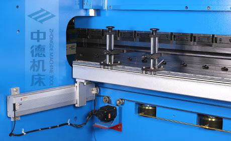 ZDPE.全新成套后档料系统,平行度高,加厚型横梁,高强度耐用.jpg